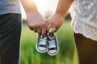 Bien choisir les premières chaussures de mon bébé : les conseils de mon ostéo